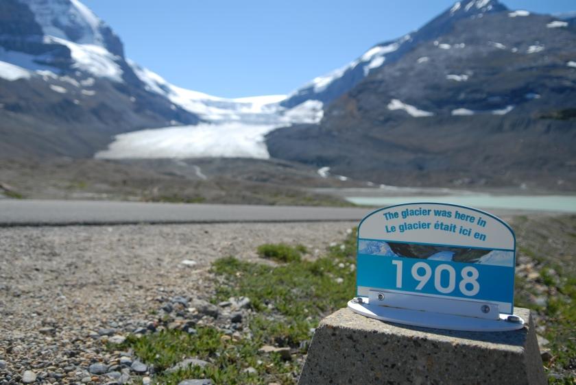 shutterstock_81823690_Glacier Melt